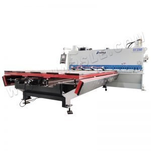 Automatic shearing machine guillotine cutting machine with auto front feeding table